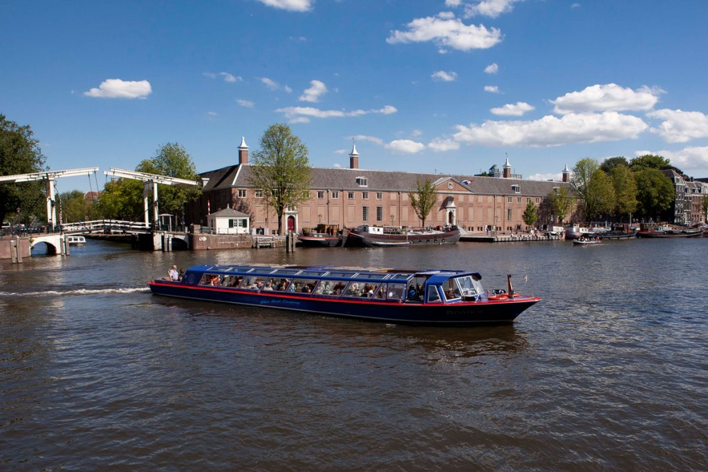 amsterdam-boothuur-traditionele-rondvaartboot5