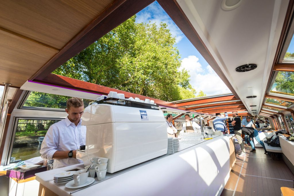 Canal boat hire Amsterdam Boat Tour - LIDO - Coffee bar