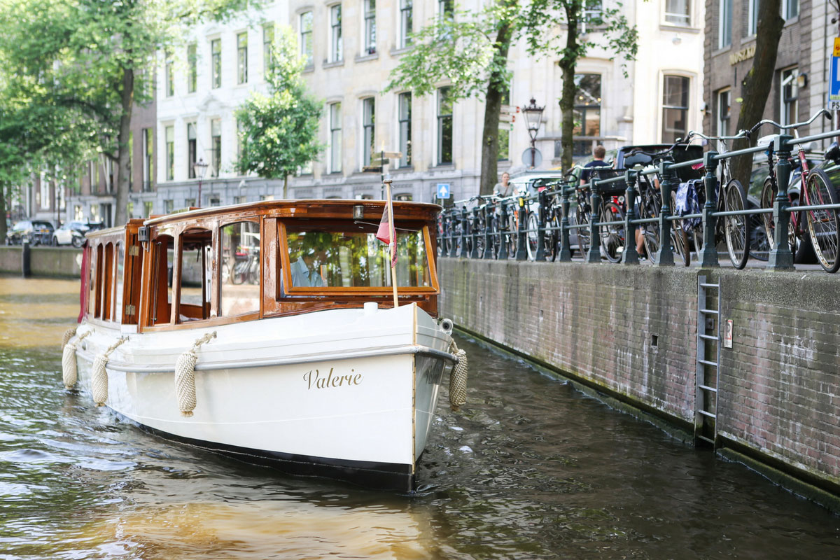 Saloonboat_Valerie-Traditional_Saloonboat_Amsterdam-08