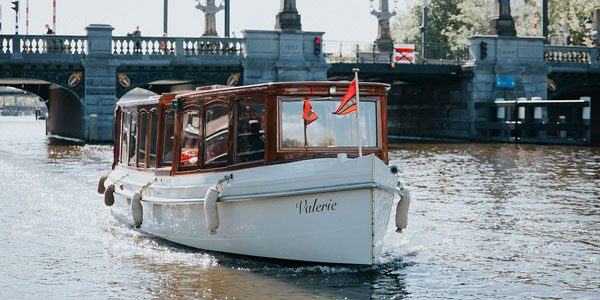 Saloon boat hire
